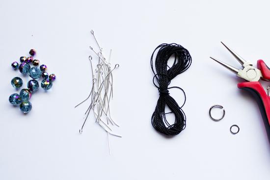 f765cd958b4d Como hacer pulseras de cristal con un alfiler  ~ Moda