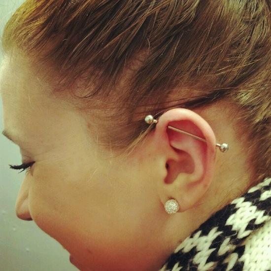 perforacion en la oreja hombre yahoo dating