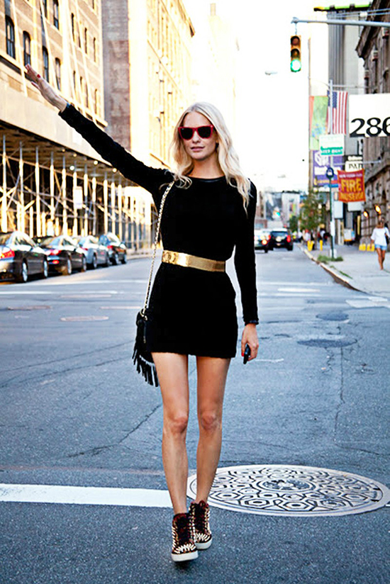 """Básicos: Cómo usar un vestido corto negro o """"little black dress"""""""