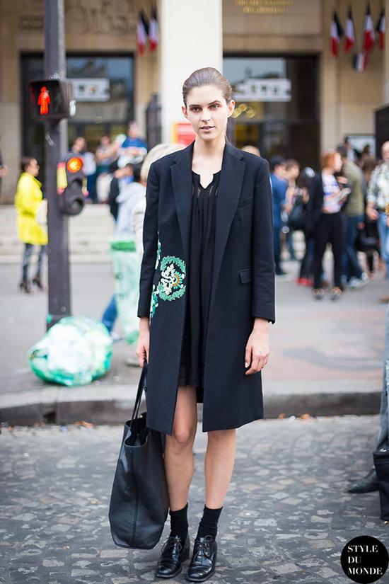 Vestido corto con abrigo largo