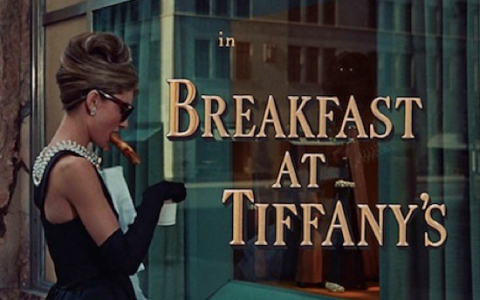 breakfast at tiffanys reseña