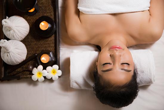 chiquita masaje facial