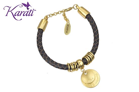 Tendencia Plaquitas de diseñador , Maquila de dijes personalizados Karati