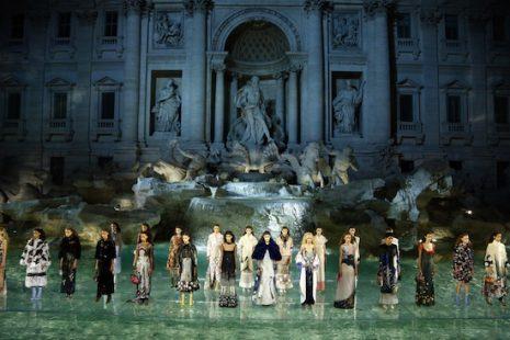 "Un desfile de ensueño: ""Legends and Fairy Tales"" de Fendi"