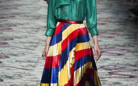 tendencia falda midi plisada